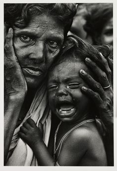 Refugees, Bangladesh, an exhausted mother and child in a refugee camp on the Indian border with East Pakistan, 1971 We Are The World, People Around The World, Foto Picture, East Pakistan, Foto Portrait, Afghan Girl, War Photography, Poverty Photography, Emotional Photography