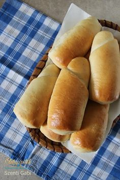 Hot Dog Buns, Hot Dogs, Ring Cake, Hungarian Recipes, Baguette, Scones, Bakery, Food And Drink, Bread