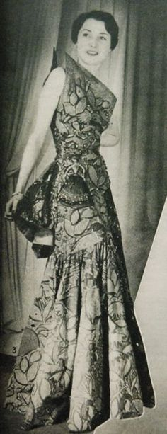 evening dress with asymmetrical bodice and sort-of mermaid skirt, Margriet 1950