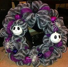 I want this for our house Nightmare Before Christmas (Wreath) Nightmare Before Christmas Decorations, Nightmare Before Christmas Halloween, Halloween Christmas, Christmas Themes, Halloween Crafts, Holiday Crafts, Holiday Fun, Halloween Decorations, Halloween Wreaths