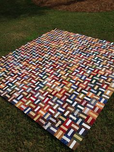 """Raffle quilt for Jarrell Plantation- """"Ice Cream Sandwiches"""" by Laundry Basket Quilts. Photo by Juliette Belleville Scrappy Quilt Patterns, Modern Quilt Patterns, Jellyroll Quilts, Quilt Blocks, Scrappy Quilts, Amish Quilts, Easy Quilts, Rail Fence Quilt, Laundry Basket Quilts"""