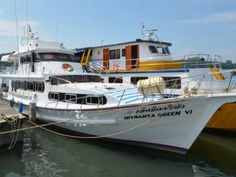 Manta Queen 6 is a great vessel for diving at the Similan Islands in Thailand. She finds a good balance between size (comfort and stability) and maneuverability, offering her passengers to socialize in small groups as well as the opportunity to hide away from others and relax.