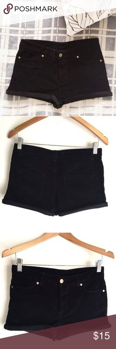 H&M Corduroy Black Fall Winter Shorts H&M black corduroy rolled up short shorts.  Great slim fit shorts. Looks great with boots or tights under. Style it with your fav sweater! Hugs the body all in the right places. Bought when in UK so it is marked 34 (EU), fits like a 0. H&M Shorts