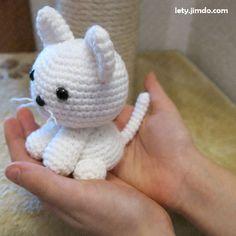 Cute Crochet, Crochet Baby, Knit Crochet, Knitted Cat, Eco Friendly Toys, Funny Toys, Cat Pattern, Stuffed Animal Patterns, Amigurumi Patterns