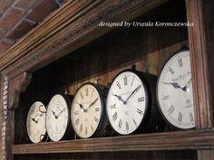 What is the time? Designed by Urszula Koronczewska.