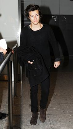 harry styles heathrow airport january 2013