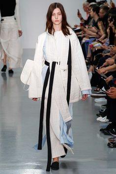 The complete Craig Green Spring 2016 Menswear fashion show now on Vogue Runway. Unique Fashion, Look Fashion, Fashion Details, Runway Fashion, Trendy Fashion, High Fashion, Fashion Outfits, Womens Fashion, Fashion Design