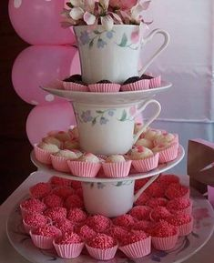 Baby shower ides simple tea parties Ideas for 2020 Tea Party Theme, Tea Party Birthday, Tea Party Bridal Shower, Baby Shower Parties, Baby Showers, Bar A Bonbon, Alice In Wonderland Tea Party, High Tea, Holidays And Events
