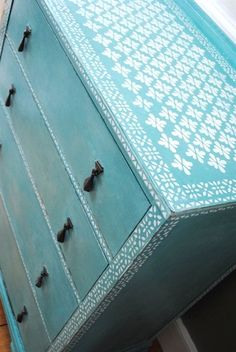 Chalk Painted Chest of Drawers by NicoletteTabram on Etsy. Chalk Paint Furniture, Furniture Projects, Furniture Makeover, Home Furniture, Repurposed Furniture, Vintage Furniture, Painted Chest, Furniture Restoration, Furniture Inspiration