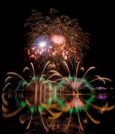 FIREWORKS~Gatineau Quebec Canada Lac Leamy Feux Fireworks entertainment, Sound of Light Fireworks Competition by mikealex, via Flickr