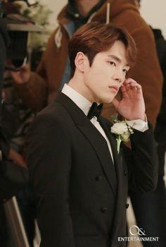 Kim Joong Hyun, Jung Hyun, Kim Jung, Asian Actors, Korean Actors, Park Bo Young, Kdrama Actors, Queen, Modern Man