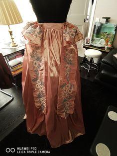 Craft Items, Lace Skirt, Skirts, Fashion, Moda, Fashion Styles, Arts And Crafts, Skirt