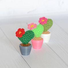 Mini crochet cacti, Flower heart cactus, Valentine cacti, Knit cacti in pot, Crochet cactus, Amigurumi cacti, Cactus desk decor, Faux cacti.