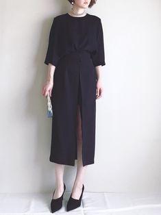 ACHさんのコーディネート Modest Fashion, Love Fashion, Korean Fashion, Fashion Outfits, Womens Fashion, Minimal Look, Japan Fashion, Fashion Images, Minimalist Fashion