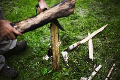 Batoning with a knife-effective wood processing technique for #outdoor #survival.