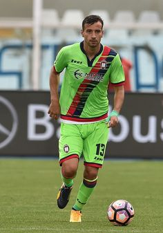 Gianmarco Ferrari of FC Crotone in action during the Serie A match between Pescara Calcio and FC Crotone at Adriatico Stadium on May 7, 2017 in Pescara, Italy.
