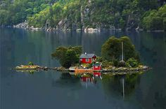 Amazing Tiny House in a Lake of the Coast of Norway
