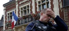 Deux assaillants ont pris mardi matin en otage cinq personnes dans l'église de cette ville proche de Rouen. Ils ont égorgé un prêtre, blessé trois personnes dont une grièvement, avant d'être abattus. Le parquet antiterroriste s'est saisi de l'affaire. Suivez l'événement en direct.