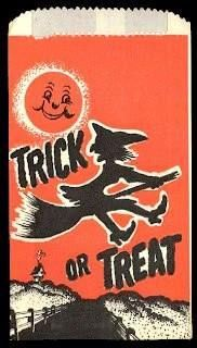 Remember these? Little paper bags that adults filled with smaller penny candies to be passed out to trick-or-treaters on Halloween. Sometimes they'd put a cookie in there which would get crushed. Vintage Holiday, Vintage Halloween, Halloween Fun, School Memories, Great Memories, Childhood Days, I Remember When, Ol Days, The Good Old Days