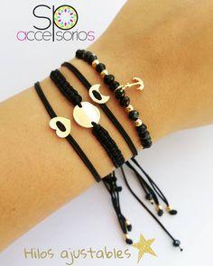 #PRONTO set de pulseras Boho. . . . . . . . #SeLibre #SeUnica #SeIndah #IndaLook #Bohemia #boho #chic #pulseras #AccesoriosUnicos #brasalete Stylish Jewelry, Cute Jewelry, Beaded Jewelry, Handmade Jewelry Box, Handmade Bracelets, Cord Bracelets, Bracelet Set, Chevron Friendship Bracelets, Fitness Bracelet