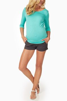 Charcoal-Grey-Maternity-Shorts #maternity #fashion