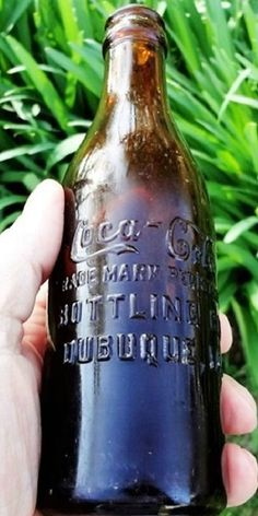 Coca Cola Bottles, Pepsi Cola, Bottles And Jars, Glass Bottles, Antique Bottles, Vintage Bottles, Soda Machines, World Of Coca Cola, Medicine Bottles