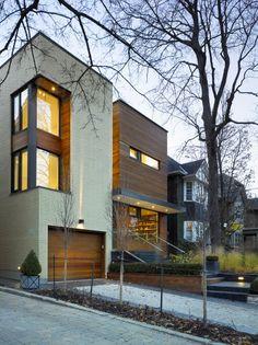 modern home by Toronto architects Superkul