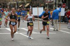 Getting Closer. Images from 114th Boston by Raymond Britt. For more see Complete coverage at www.RaceBoston.com