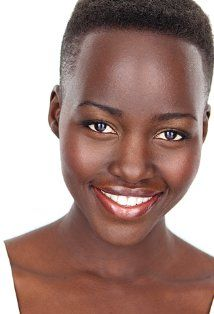 Kenya Showbiz: Kenyan Star Beauty Lupita Nyong'o Featured in Hollywood Movie Yet to be Released / Africa News - Kenyan actress and former Music Network face of Africa beauty, Lupita Nyong has been featured in a new Hollywood movie due to be released. Black Is Beautiful, Most Beautiful Women, Beautiful Celebrities, Beautiful Things, Beautiful People, New Hollywood Movies, Afro, Natural Hair Styles, Short Hair Styles