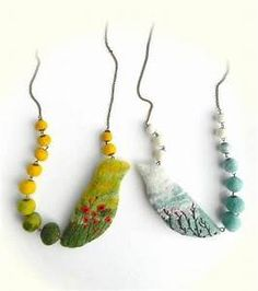 Looks like felt, could be polymer or mix of rock/glass and either of those. Ceramic Jewelry, Clay Jewelry, Jewelry Crafts, Jewelry Art, Handmade Jewelry, Felted Jewelry, Jewelry Ideas, Jewellery, Textile Jewelry