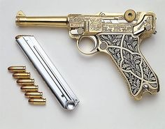 The most ornate example of a German Luger I've ever seen. I'll gladly take one please.