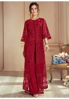 Red Rouge Thread Embroidered Designer Lehenga Suit is designed with absolute perfection to rock any festive occasion or wedding parties. This set features intricately floral embroidery work with za. Net Dresses Pakistani, Eid Dresses, Pakistani Dress Design, Pakistani Outfits, Party Wear Dresses, Bridal Dresses, Fashion Dresses, Dresses Online, Dress Brokat