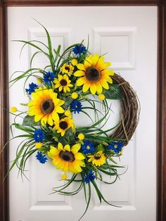 Spring Door Wreaths, Wreath Fall, Autumn Wreaths, Summer Wreath, Wreaths For Front Door, Holiday Wreaths, Sunflower Arrangements, Deco Wreaths, Year Round Wreath