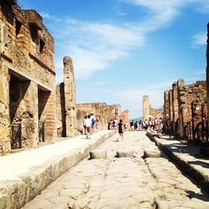 Pompeii Italy - should be on everyone's travel bucket list.