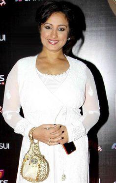 Divya Dutta at the Stardust Awards Sonam Kapoor, Deepika Padukone, Divya Dutta, Beautiful Women Over 40, Beautiful Bollywood Actress, Sophia Loren, Beautiful Curves, Amber Heard, Celebs