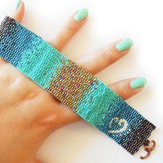 Bronze and Blue Ombre Glass Beads Bracelet di dicopebisuteria