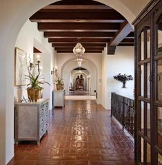 Spanish style homes – Mediterranean Home Decor Spanish Style Bathrooms, Spanish Style Homes, Spanish House, Spanish Style Interiors, Spanish Colonial Decor, Spanish Style Decor, Spanish Revival Home, Spanish Tile, Hacienda Style Homes