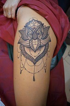 106-0qnlxgm-qju Mini Tattoos, Sexy Tattoos, Small Tattoos, Tattoos For Women, Cool Tattoos, Hip Tattoo Designs, Flower Tattoo Designs, Hip Thigh Tattoos, Forearm Tattoos