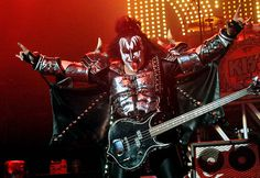 KISS brings pro football back to Los Angeles with Arena Football League team!