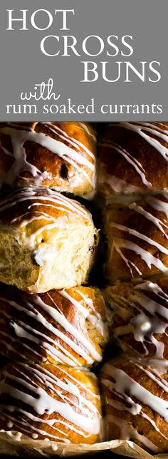 Fluffy pillowy and tender! Make these overnight or same day. Fluffy pillowy and tender! Make these overnight or same day buns - Ive included both options! Hot Cross Buns (freestyle) with rum soaked currants! Wow Recipe, Great Recipes, Favorite Recipes, Hot Cross Buns, Easter Recipes, Easter Desserts, Easter Ideas, Food Network Recipes, Breakfast Recipes