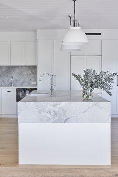Kitchen Room Design, Modern Kitchen Design, Home Decor Kitchen, White Kitchen Interior, Rustic Kitchen, Luxury Kitchens, Home Kitchens, Classic Kitchen, French Kitchen