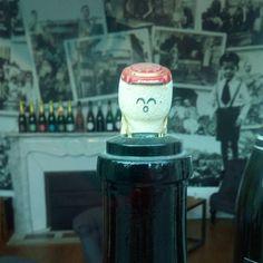 bouchon Janisson Barandon, champagne Janisson Barandon, personnage en bouchon, Epernay, Champagne, Glass Display Case