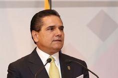 """Al inaugurar el Foro Internacional """"Michoacán Gobernanza y Desarrollo Democrático"""", el gobernador de Michoacán afirmó que México no debe tolerar ni justificar las faltas de respeto del presidente de EU, ..."""