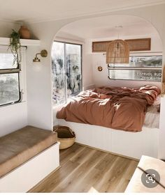 Tiny House Living, Rv Living, Caravan Makeover, Caravan Renovation Diy, Caravan Living, Van Home, Airstream Interior, Remodeled Campers, Tiny House Design