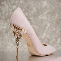 60 Cute Homecoming Shoes to Look Pretty - Shoes - Schuhe Homecoming Shoes, Prom Shoes, Low Heel Shoes, High Heels, Shoes Heels, Gucci Shoes, Stiletto Heels, Dress Shoes, Fancy Shoes