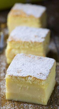 Vanilla Magic Custard Cake is melt-in-your-mouth soft and creamy dessert. Vanilla Magic Custard Cake is melt-in-your-mouth soft and creamy dessert. Oreo Dessert, Coconut Dessert, Brownie Desserts, Chocolate Desserts, Cake Chocolate, Cheesecake Brownies, Sweet Recipes, Cake Recipes, Dessert Recipes
