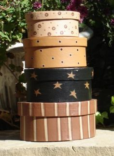 Oodlekadoodle Primitives: FINISHING & PAINTINTG STRIPES ON PAPER MACHE BOXES