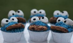 Cookie Monster cupcakes - Kidspot