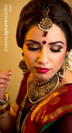 Tamil wedding makeup video tamil mua hindu bride ezwed best makeup 1 indian bridal makeup artist chennai by yaksheetasri bridal yaksheeta sri beauty salon and spa in chennai Bridal Makeup Looks, Bride Makeup, Bridal Looks, Diy Wedding Hair, Wedding Makeup, Wedding Ideas, South Indian Bride, Indian Bridal, Tamil Wedding