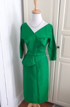 fa81b0c602b 1950s Emerald Green Satin Wiggle Dress